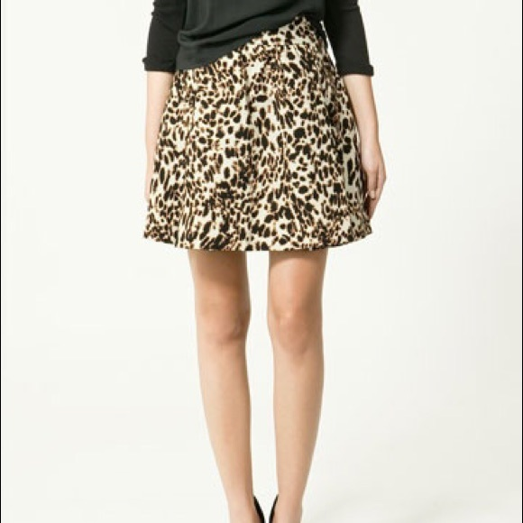 buying now picked up autumn shoes Zara Leopard Print Flare Skirt